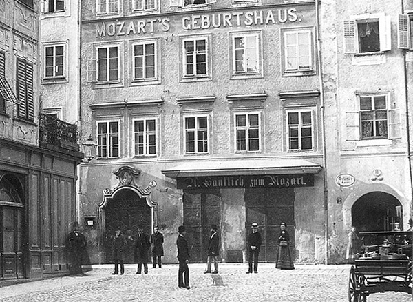 40_mozarts_geburtshaus_vor1886_c-stadtarchiv_featured