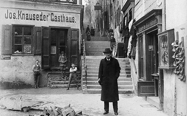 71_nonnberg-stiege_gasthof-knauseder_um1912_(c)stadtarchiv_featured
