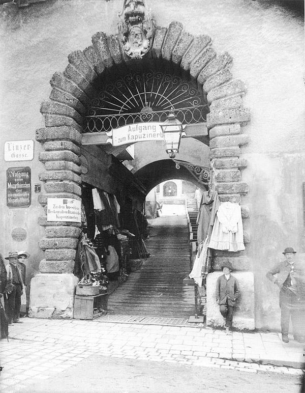 84_aufgang-zum-kapuzinerberg_um1910_(c)stadtarchiv